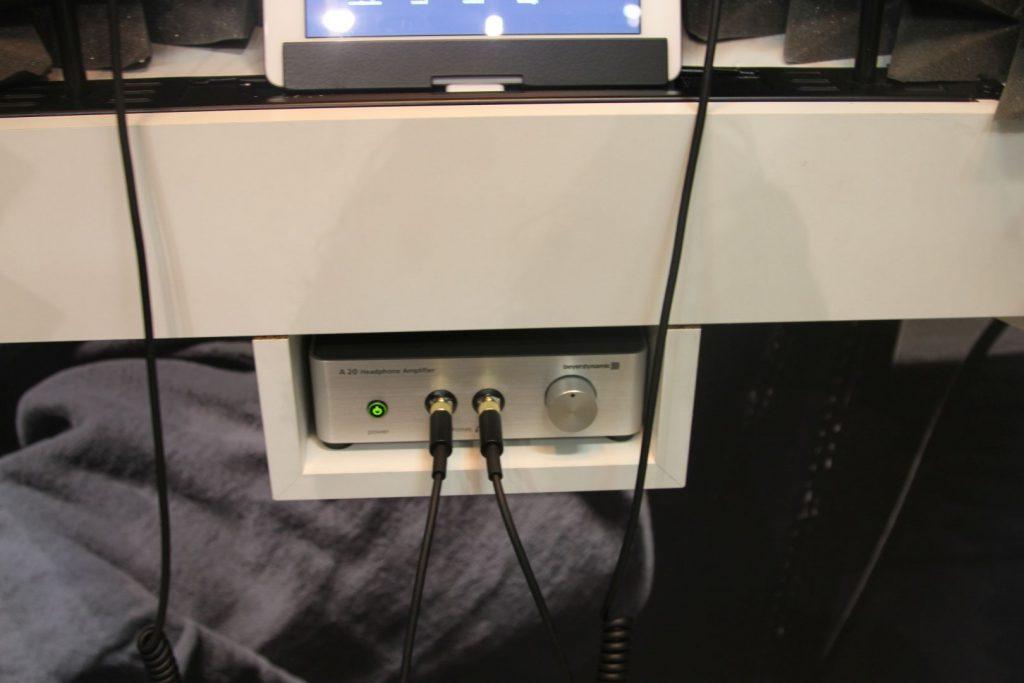 Die beiden ProfiKopfhörer wurden anghetrieben von einem A20 Kopfhörerverstärker