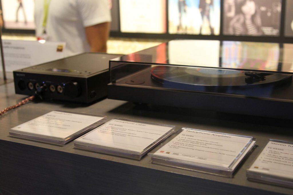Im Highendbereich gab es auch Plattenspieler und Kopfhörervorverstärker zu sehen