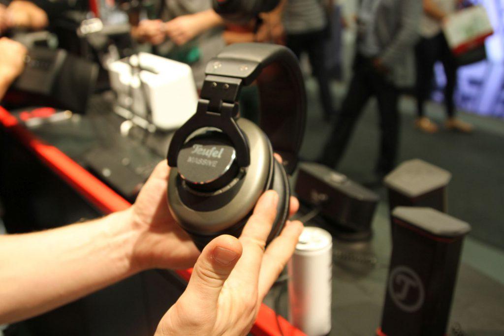 Der Teufel Massive ist ein geschlossener Kopfhörer mit stabilen Gehäuse