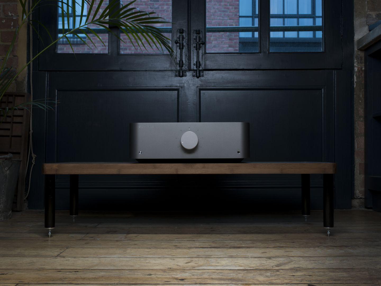 Cambridge Audio Edge im Wohnzimmer
