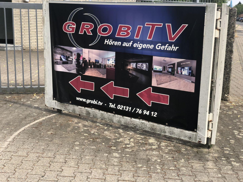 Man findet leicht den Laden von Patrick Schappert, besser bekannt als Grobi.TV